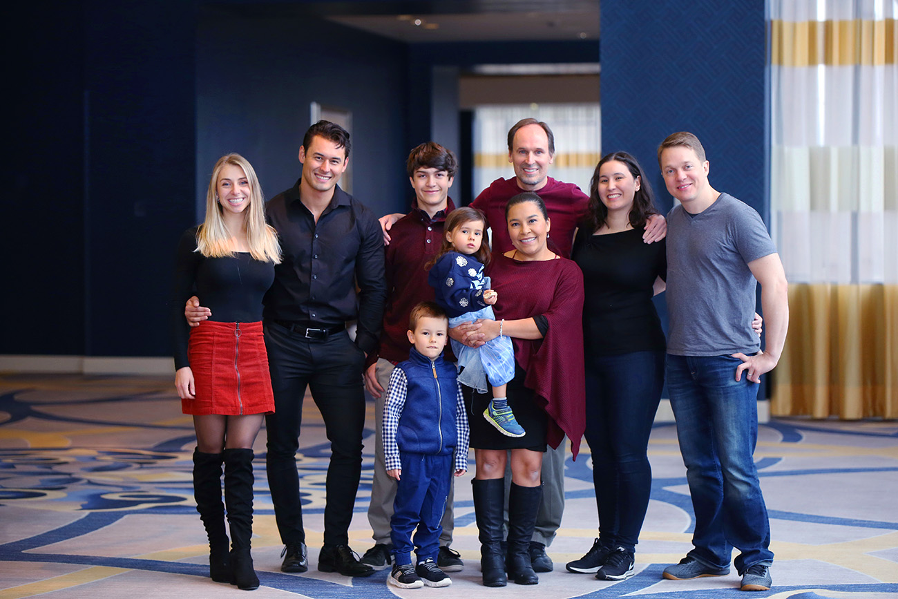 Family-LargeGroup3