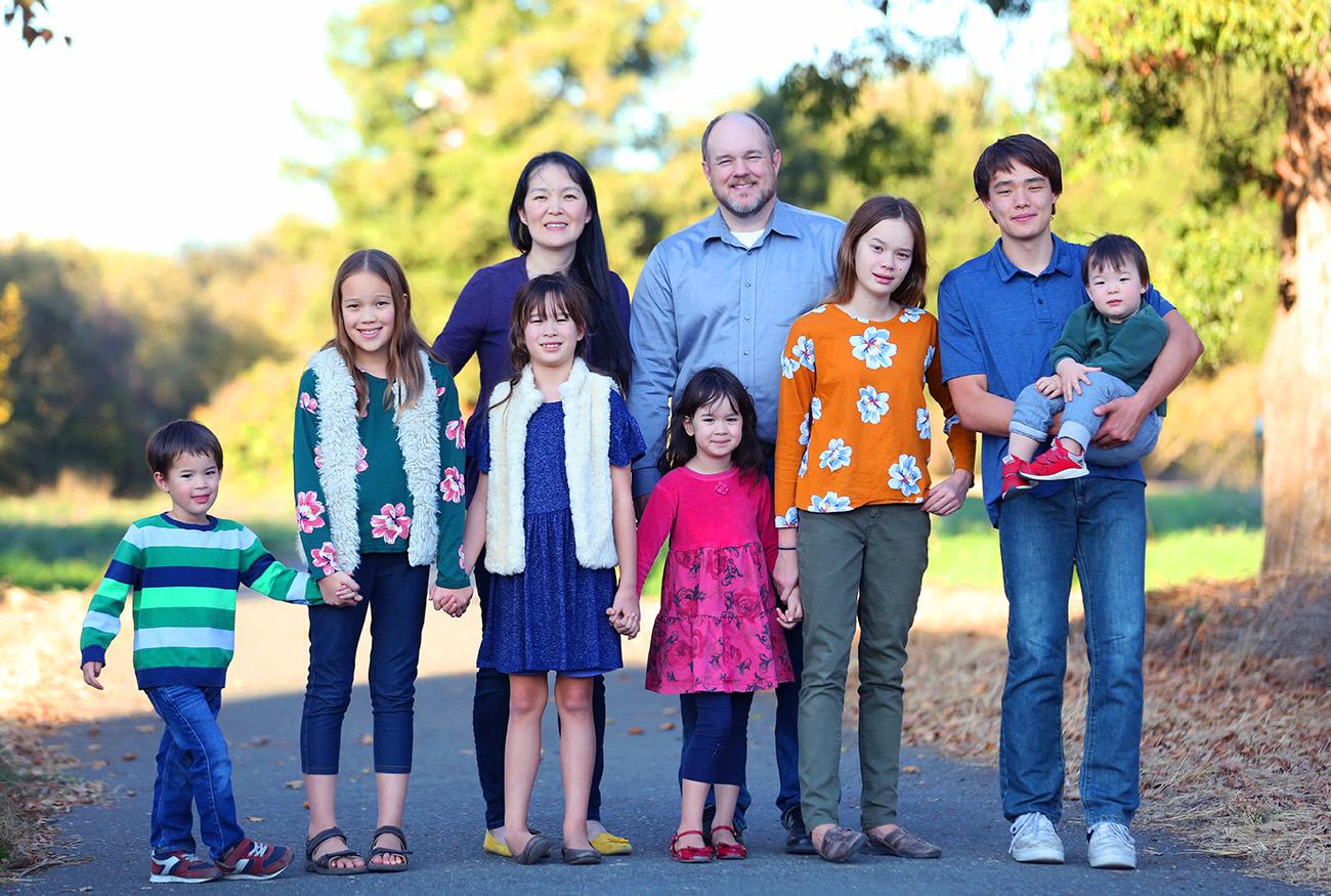 Family-LargeGroup4